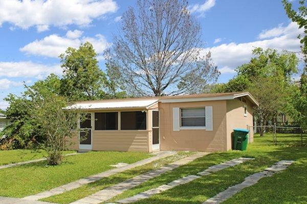 1567 Cranbrook Ave, Deltona FL