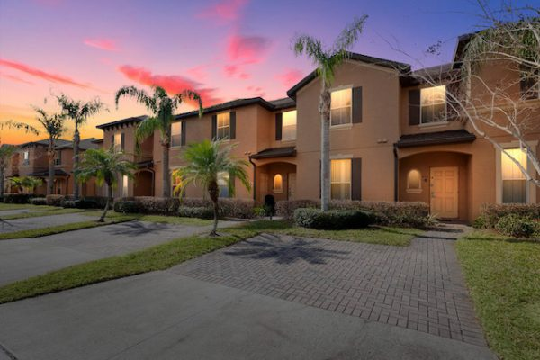 439 Miramar Ave, Davenport FL